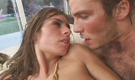 Donny dài tàn tích anh sec nguoi dep tuổi teen lỗ đít và flushes cô ấy đầu xuống toil
