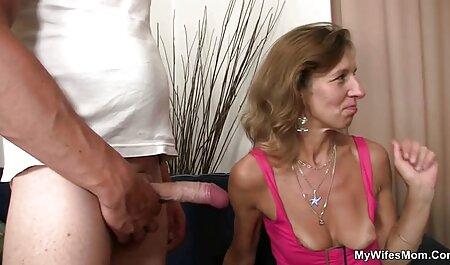 Dominatrix làm cho xem phim sec dep mông của cô ấy nô lệ đỏ