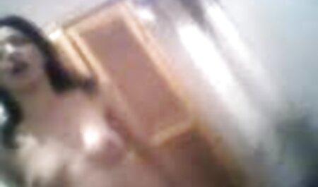 Nhỏ tóc vàng ngón tay cô ấy phim sec xinh vien cạo L.